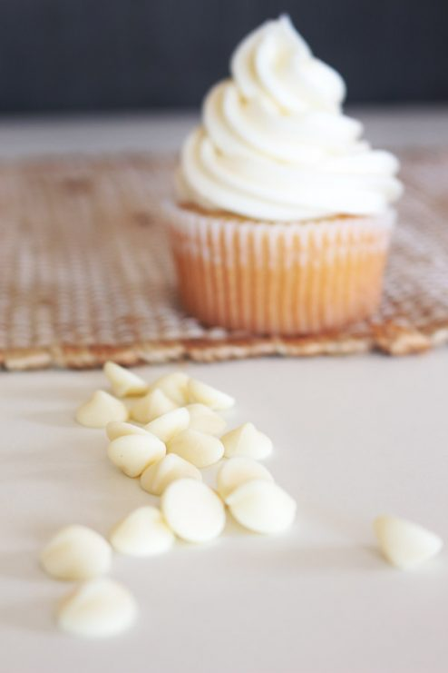 The perfect marriage of pumpkin pie and cupcakes in one! Moist vanilla cake stuffed with a homemade no-bake pumpkin pie filing and topped with white chocolate cream cheese frosting. Your fall party won't be complete without them!
