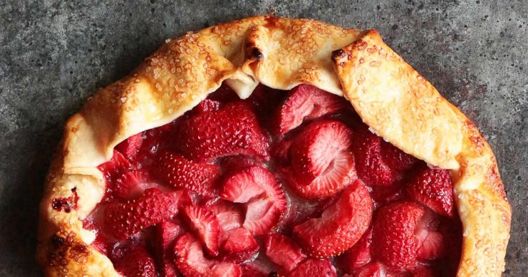 Galettes are the easiest way to whip up an impressive and delicious summer fruit dessert in to time! A few simple ingredients are all that's needed, so stop by and get the recipe to wow your friends and family with this classic pastry!